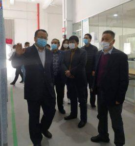 援企抗疫,青浦区朱家角镇党委书记高健一行走访慰问上海沪鸽